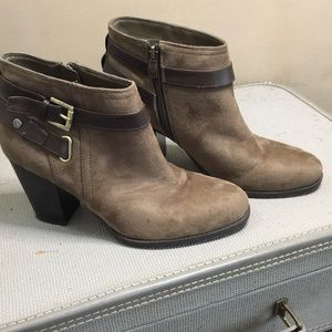 Liz Claiborne Vegan Suede High Heel Booties Sz 9